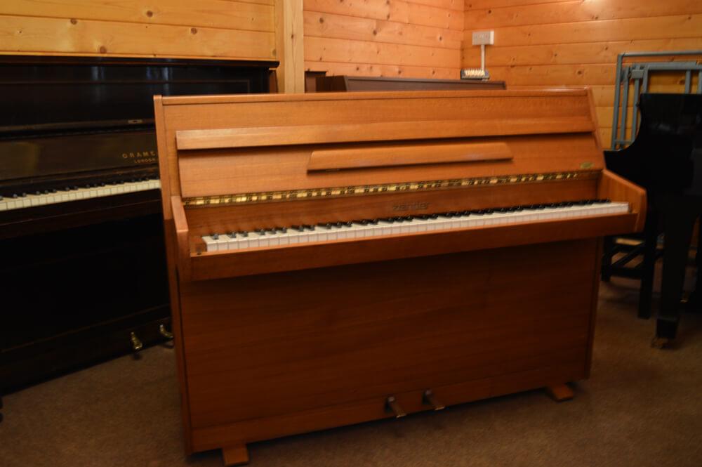 Zender Piano fo sale